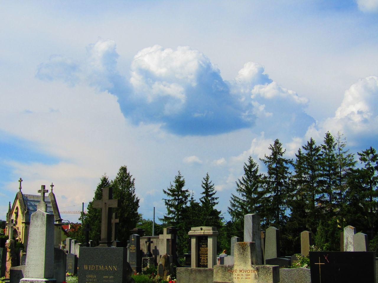 Liesing Rodaun Vienna Austria Friedhof Cloud - Sky Memorial Cemetery Tombstone Wien