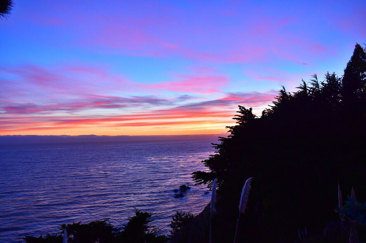 Sunset Silhouettes Oceanside Hello World Big Sur, Ca. Lucky Me Landscape #Nature #photography Dusk Sun_collection, Sky_collection, Cloudporn, Skyporn