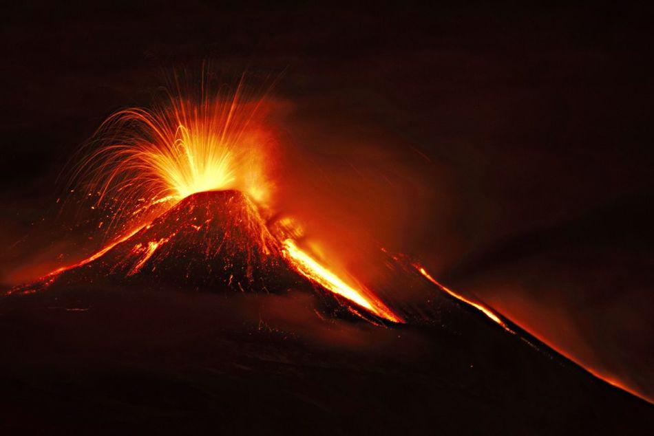 Beautiful stock photos of dunkel, Active Volcano, Danger, Erupting, Eruption