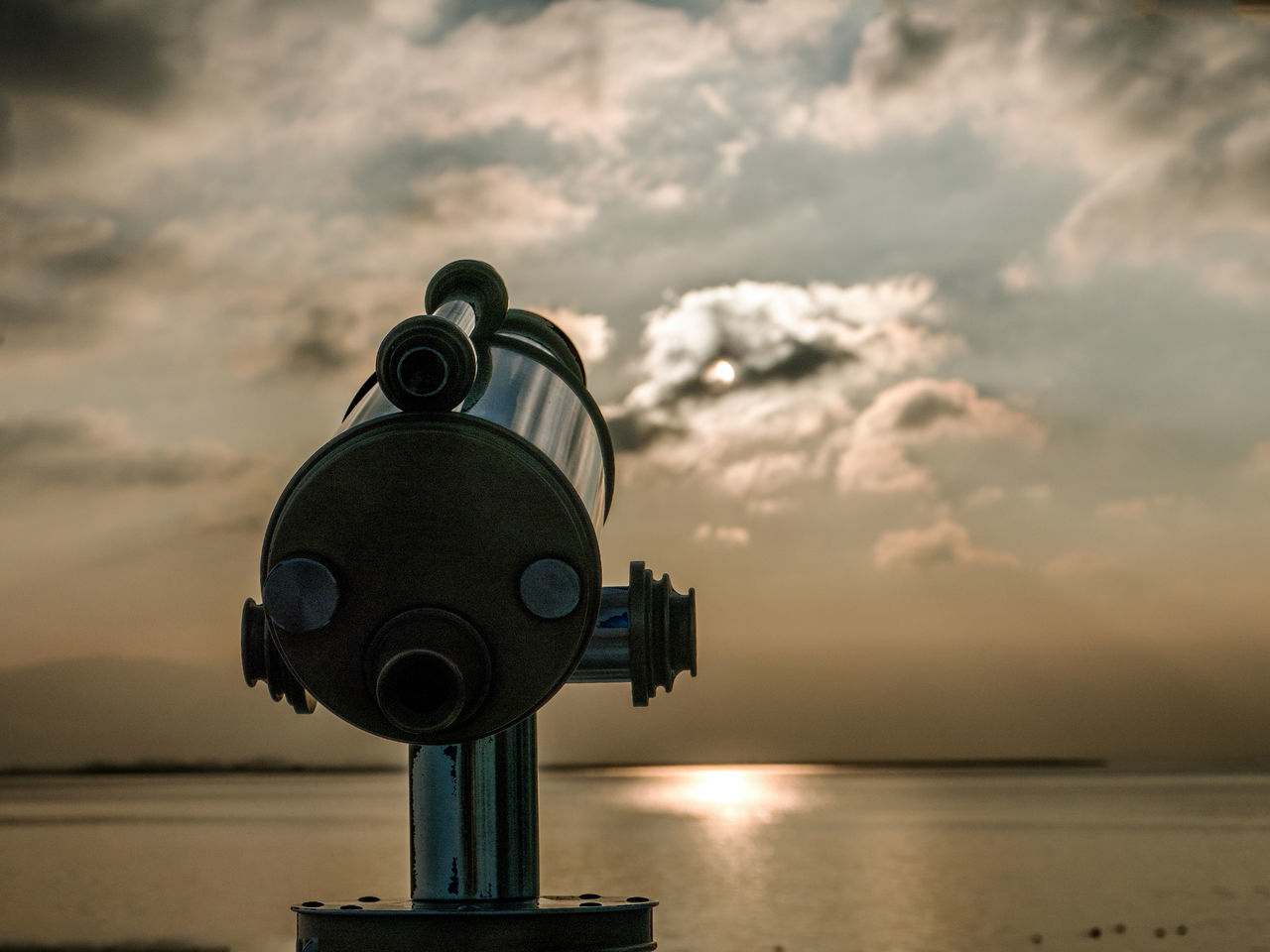 view to zhe sun Binoculars Bodensee Cloud - Sky Coin-operated Binoculars Fernglas GERMANY🇩🇪DEUTSCHERLAND@ Hand-held Telescope Nature No People Optical Instrument Outdoors Scenics Sea Sky Sunset Telescope Winter