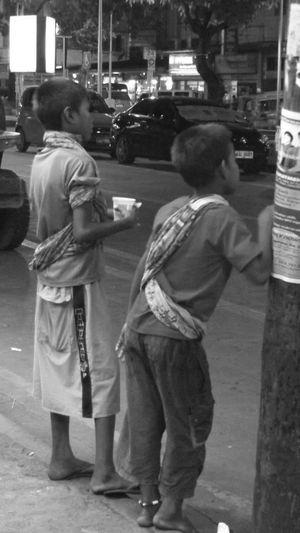 #blackandwhite #kids #portrait #Real #streetphotography #Sunday #sundayeve First Eyeem Photo