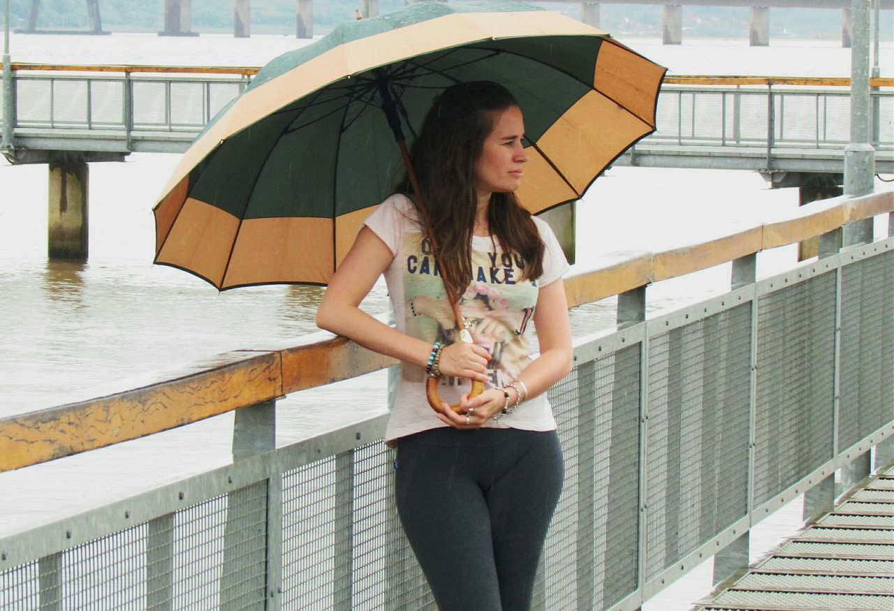 That's Me! Hello ❤ Me!!! Hola Mundo ✌ Linda Foto Día De Lluvia I Love Rainy Days☔ Caminando Bajo La Lluvia... Paraguas Umbrella☂☂ 😊