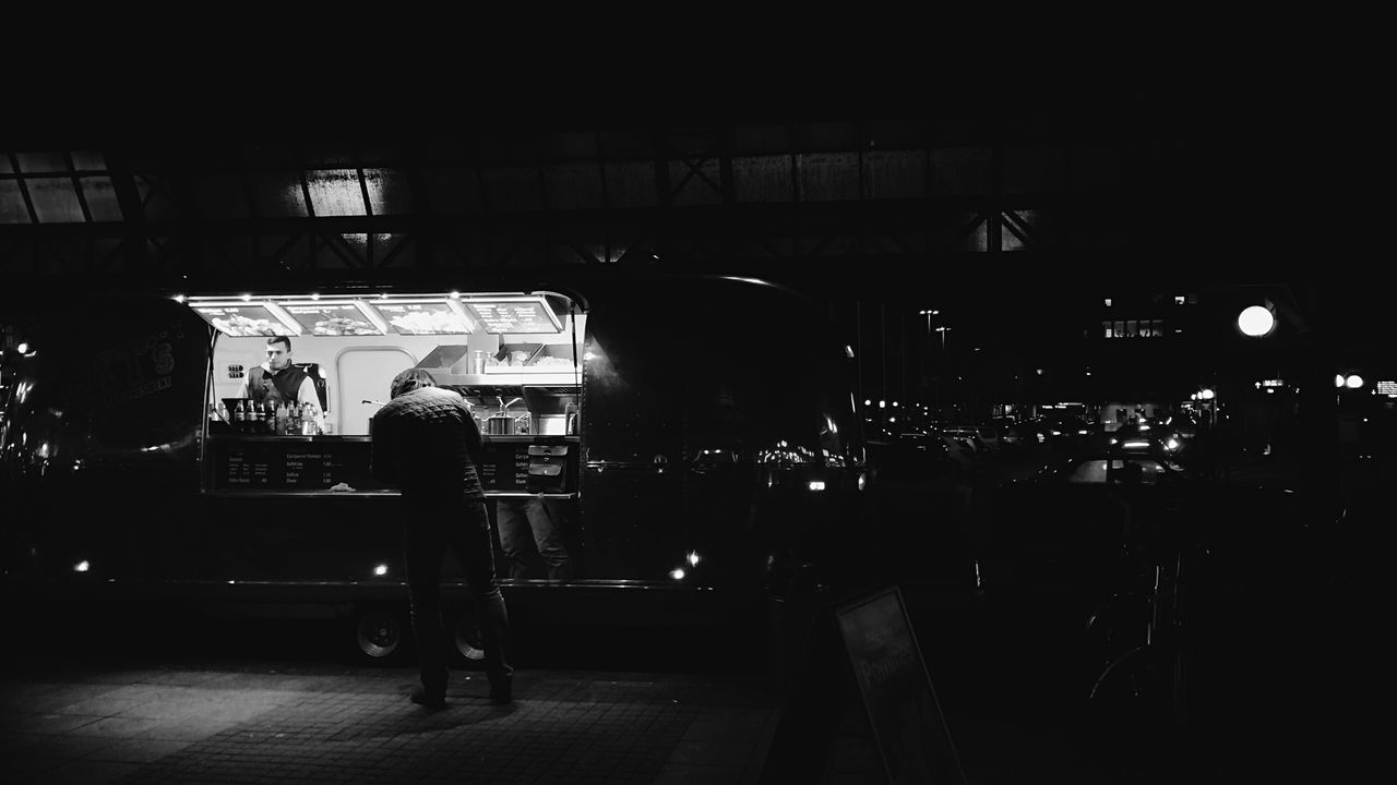 Great Food Truck Peoplephotography Streetphoto_bw Light And Shadow Nightphotography Strangers In Transit Creatures Of The Night Lerone-frames Lerone-doc Encounter-series