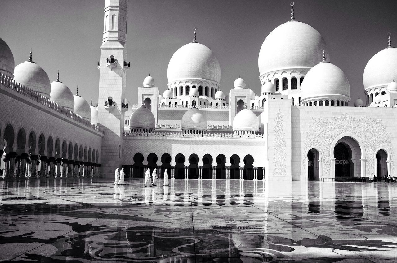 Sheikh Zayed Grand Mosque, Abu Dhabi, UAE. Street Photography Mosque