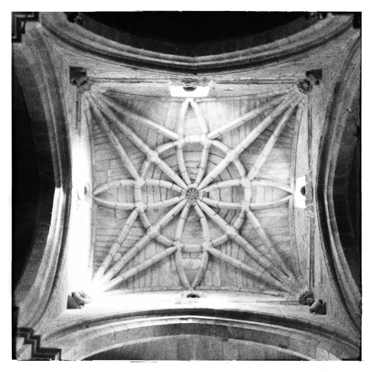 NEM Black&white Arquitecture En Catedral De Tui.