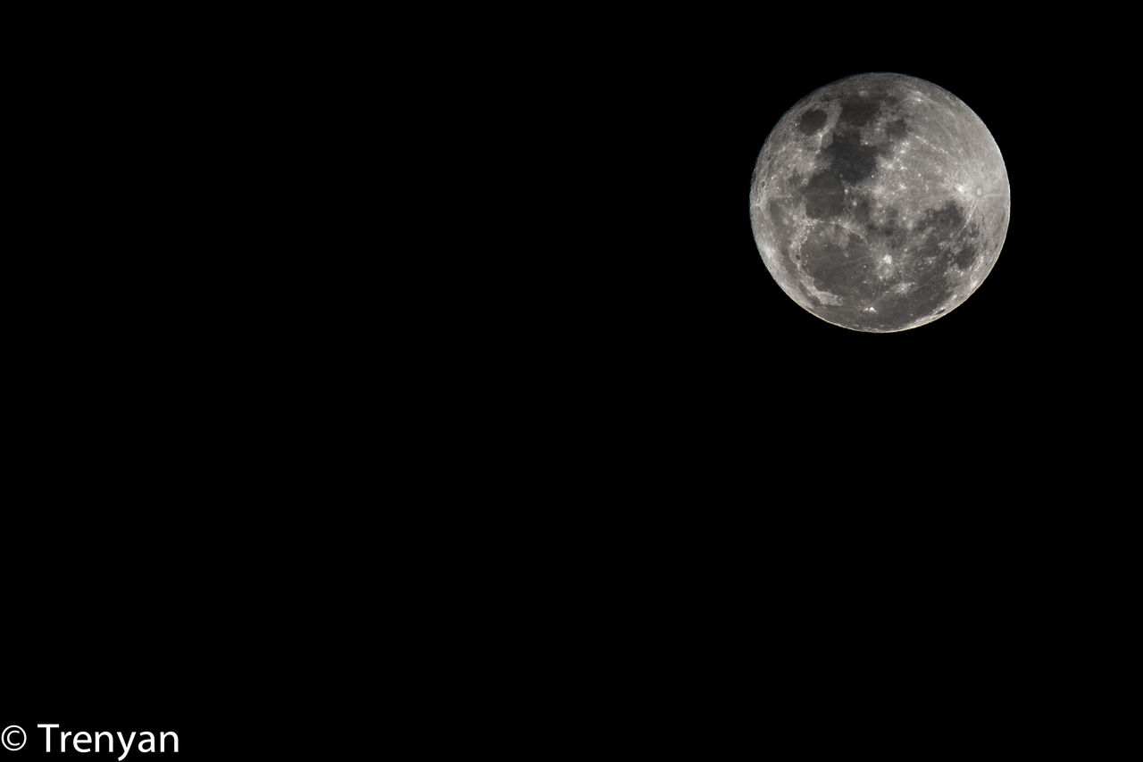 moon, night, astronomy, moon surface, full moon, planetary moon, beauty in nature, copy space, nature, scenics, space, tranquil scene, low angle view, no people, space exploration, half moon, outdoors, sky, clear sky, close-up