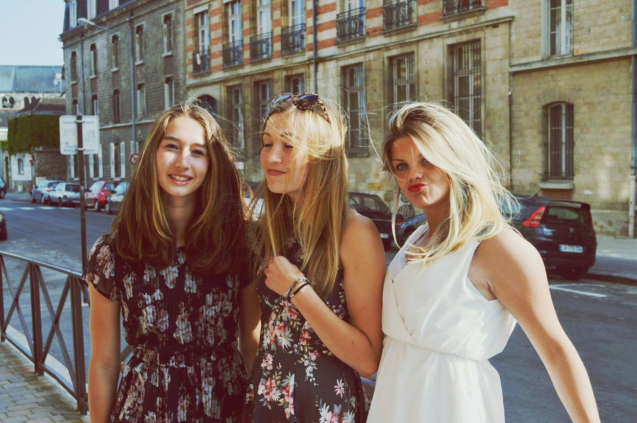 Bayen Friends Love