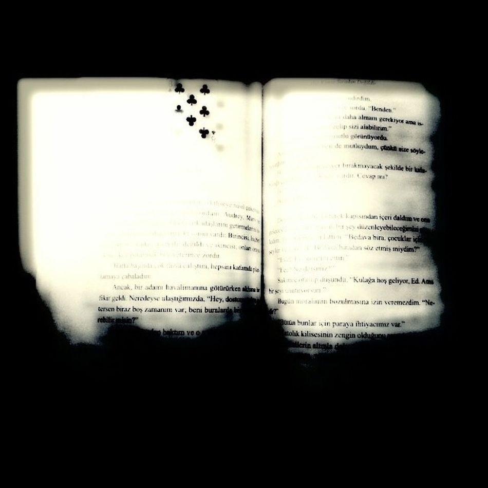 Black Book Markus Zusak hiç