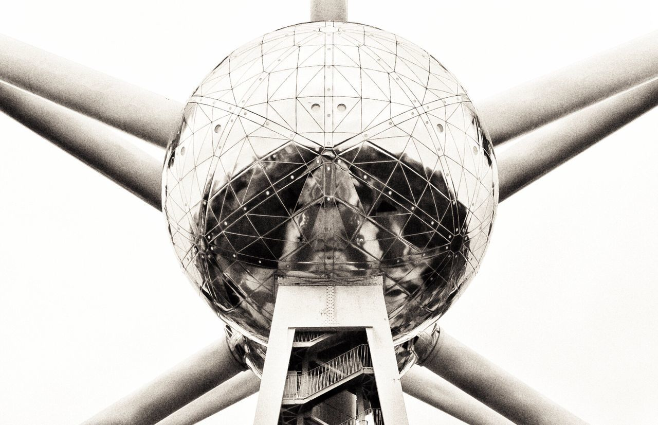 Technology Science And Technology Science Fiction Atomium Atomic Atomosphere Reflection_collection Sphere Reflections Built Structure Black And White Collection  Noir Black And White Photography Point Of View Low Angle View Building Exterior Tourism Destination Architectural Design Architecture Architecture Photography Architecture Details Reflection Photography Reflection Chrome Polished Surface