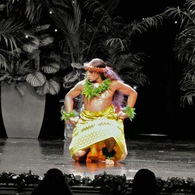 Bebeh brother.. doing his thang! Realmendancehula Lovemybrother Hula Hawaii Bigislandlove HiLife 808state Hiallday Instaphoto Instalove Family Instahi Instahome Hawaii Luckywelivehawaii Instagood Instaphoto Instalove