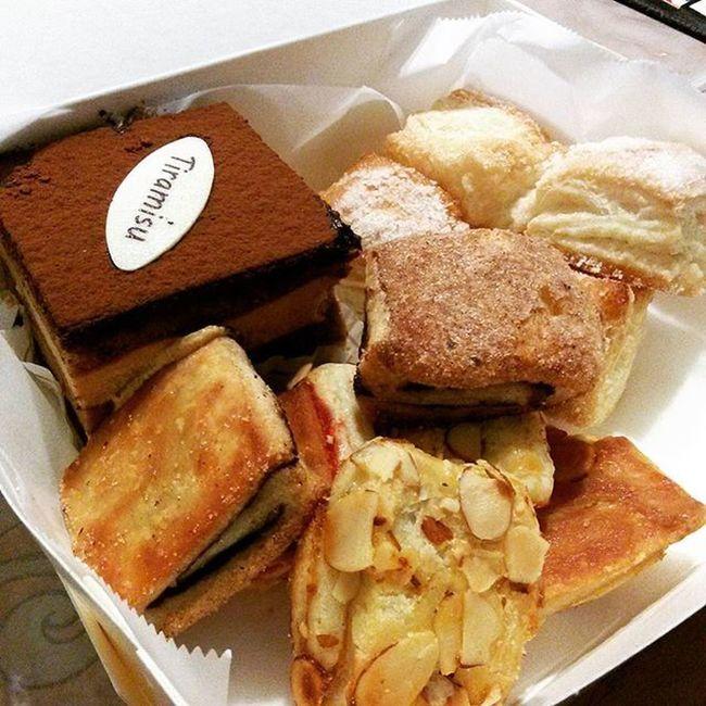 Always a good time for Venieros! Pastry Tiramisu Dessert Nightsnack