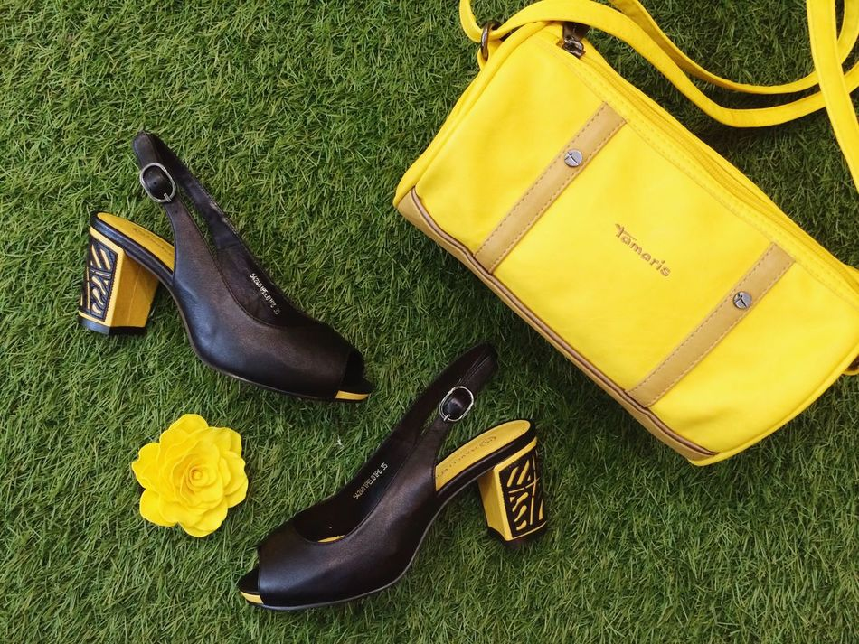 Just bright yellow and black 👠 Marcobonne Tamaris Shoes Bakstore