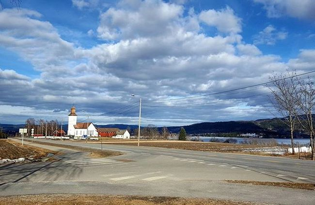 ⛅🌞☉anoTheR beSt daY oN mY BikE☉🌞⛅ Darbu Buskerud Mittnorge Kirke Wu_norway I_love_norway Loves_norway Damgooddays Dreamchasersnorway Highlightsnorway Cloudporn Skylovers Skyporn Sportaddict Norsksykling Ridewithaview Roadcycling Springishere Hellospring Whataday Ilovespring Ilovecycling Mylifemyadventure Ig_neverstopexploring Lifeisgood norsknatur womenonwheels ciclismo
