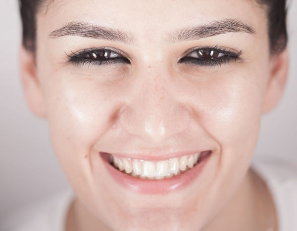 Big Eyes Bright Cleansing Close-up Dark Eyes Focus On Foreground Front View Headshot Human Face Leisure Activity Lifestyles Person Portrait Selective Focus Smile Smiling Soul Teeth Teeths Theeth White Teeth Woman Young