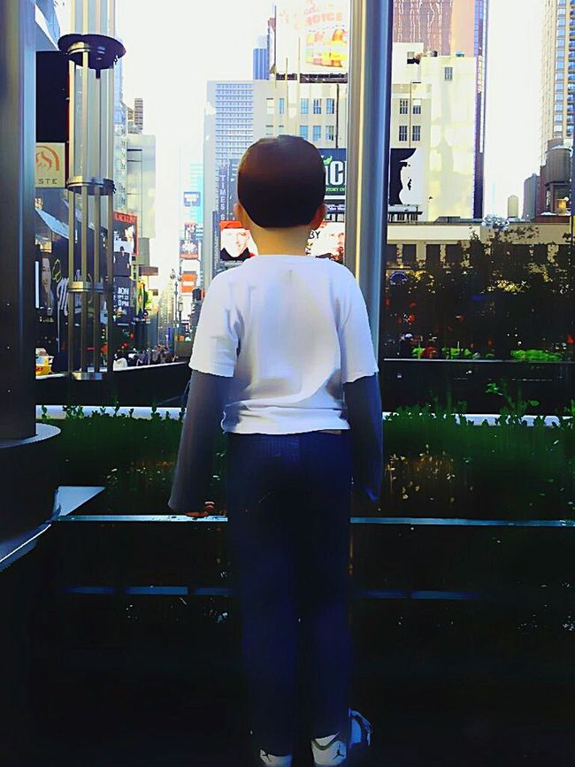 Cityscapes nyc: ( he loves it here, stimulation overload ) MyPOV JUSTMYPOINTOFVIEW Littlemonster EyeEmBestEdits Powerof2 Myplaces Edits Mine Myson