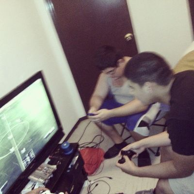 Playing Fifa wt the homeboys ??⚽