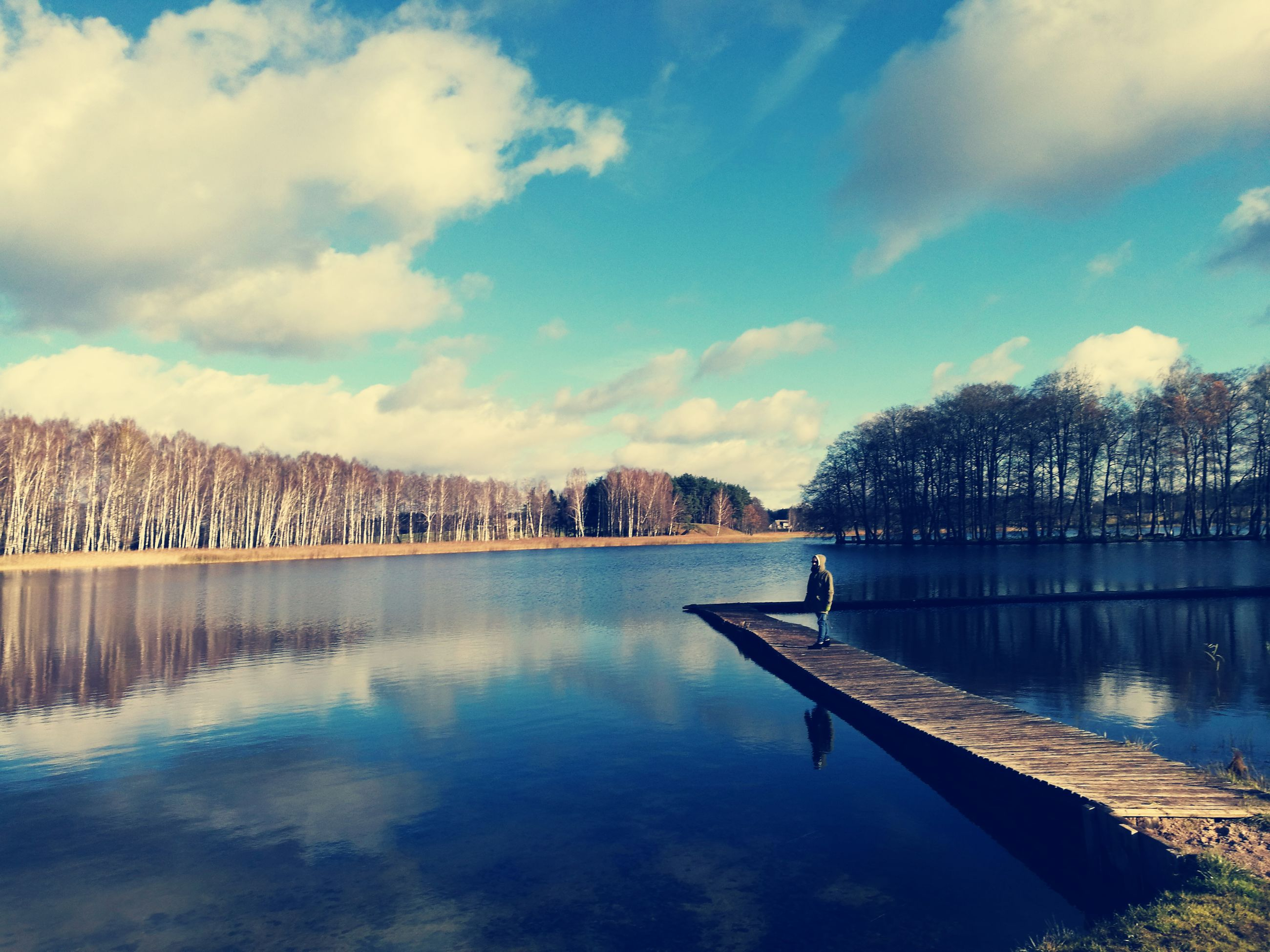 water, tree, sky, cloud - sky, no people, nature, beauty in nature, outdoors, lake, tranquility, day, waterfront, scenics, built structure, tranquil scene, building exterior, architecture