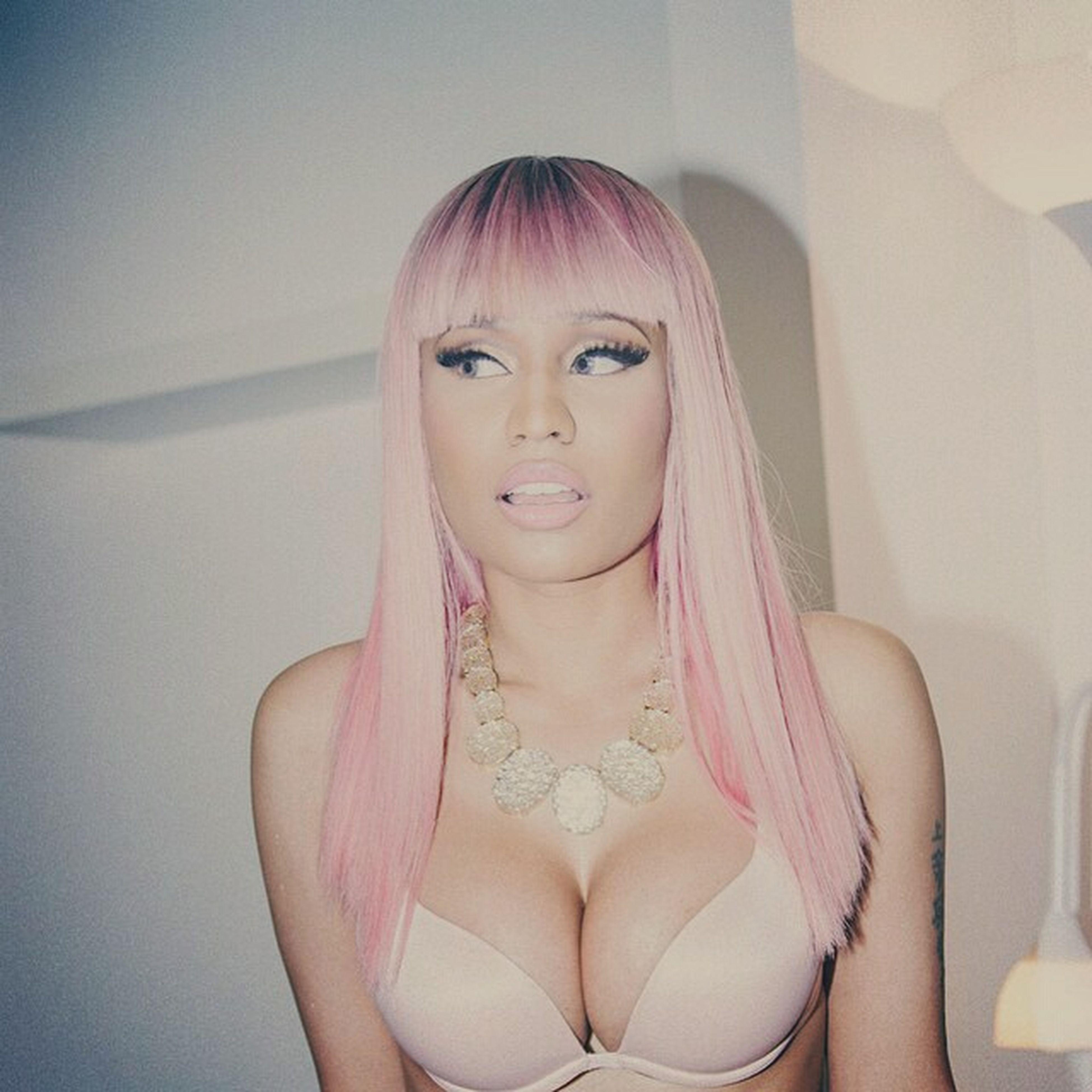 Nicki Minaj The Night Is Still Young Tnisy