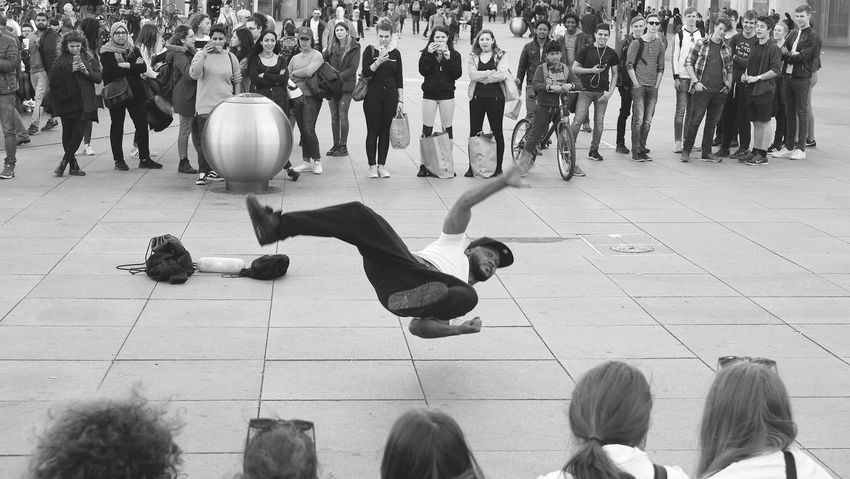 Street artist at Berlin Alexanderplatz Adult Strassenfilm Artist Artistic Audience Blackandwhite Photography Crowd Day Editorial  Fun Group Of People Large Group Of People Lifestyle Men Outdoors People People And Places People Photography People Watching Real People Sports Street Summer Women The Street Photographer - 2017 EyeEm Awards