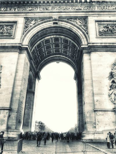 Hello World From My Point Of View Silhouette Taking Photos People Black And White Blackandwhite Historical Building Light And Shadow Historical Monuments Famous Place Blackandwhite Photography Poeple Paris France Champs-Élysées  L'arc De Triomphe