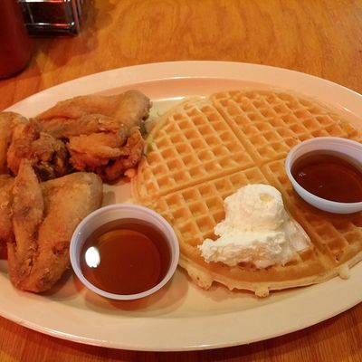 Following the trend. Roscoes Chicken & Waffles Inglewood California