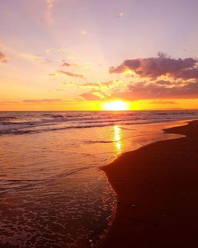 Sunset on the beach Beach Time Sunset_collection Sunset #sun #clouds #skylovers #sky #nature #beautifulinnature #naturalbeauty #photography #landscape Sunset_captures