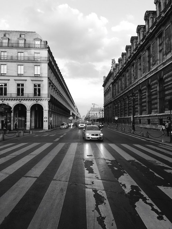 Architecture_bw Paris Perspective Urban Geometry Pariscape Open Edit Black & White Blackandwhite Architecture Blackandwhite Photography Black And White Cityscapes Eyeemphotography EyeEm Masterclass Street Photography Eye4photography  EyeEm Best Edits Shootermag Streetphotography EyeEm Best Shots EyeEmbestshots EyeEm Gallery