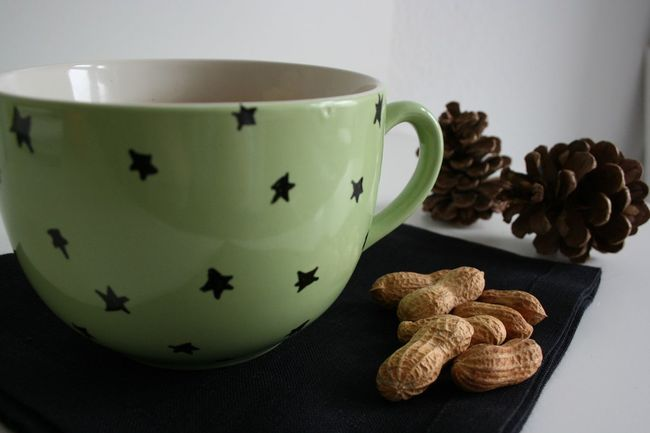Advent Christmas Close-up Cozy Cup Drink Freshness Green Indoors  Mug No People Peanuts Pinecone Star Still Life StillLifePhotography Tea Tea Cup Tea Time Tee Weihnachten Xmas