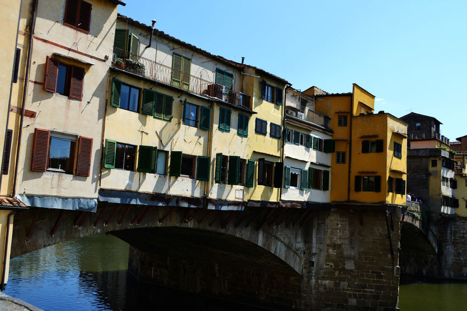 Apartment Architecture Balcony Built Structure City City Life Culture Exploring Tuscany EyeEm Best Shots Historical Building Ponte Vecchio Travel Photography Tuscany Traveling City View  City Life Greetings From Italy