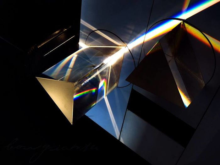 Borgiante DarkSideOfTheMoon Light Lights Lights And Shadows Luces Luces Y Sombras Luz Pink Floyd Piramide Prisma The Dark Side Of The Moon Triangle Triangles Triángulo