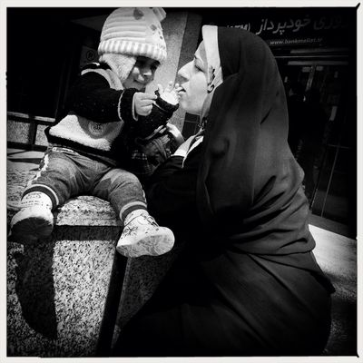 """""""Biology is the least of what makes someone a mother."""" Oprah Winfrey WeAreJuxt.com AMPt - Street Shootermag Streetphotography"""