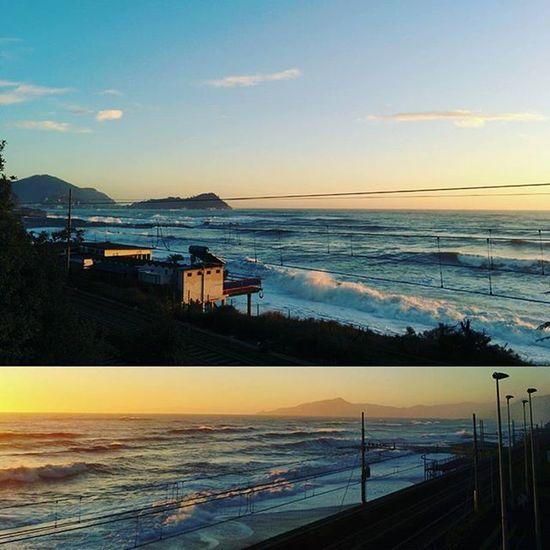 Sunset Sky Sea Beach Winter Waves Wave Beachlife Seaside Italy Amazing View Sunny Sunshine WinterSea Winterbeach Sestrilevante Water