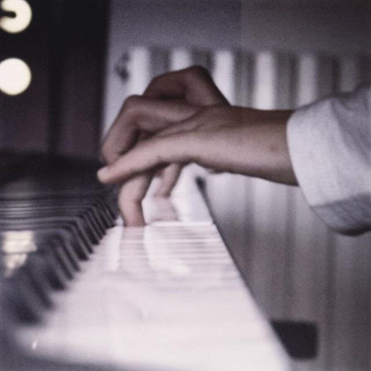 Natale2015 Ziaenipote Nipote Piano Pianoforte Love Girl Bestoftheday Smile Happy Fun Hand EyeEm Best Shots Eye4photography  EyeEm Gallery EyeEm Best Edits EyeEmBestPics Eyeemphotography EyeEmbestshots
