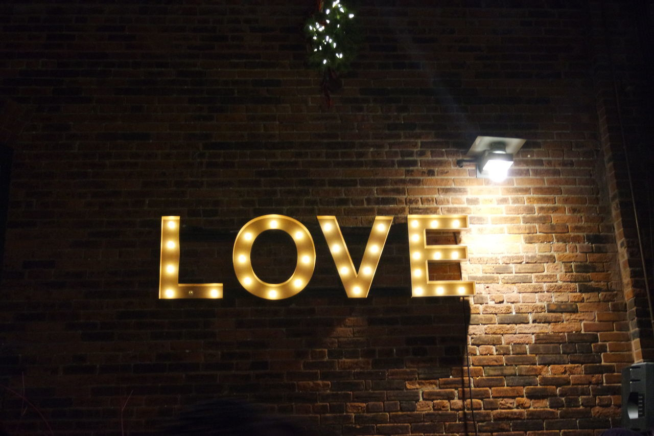 Lit Up Love Nighttime Outdoors Sign Text Toronto Toronto Christmas Market Wall Cities At Night The Street Photographer - 2016 EyeEm Awards 43 Golden Moments