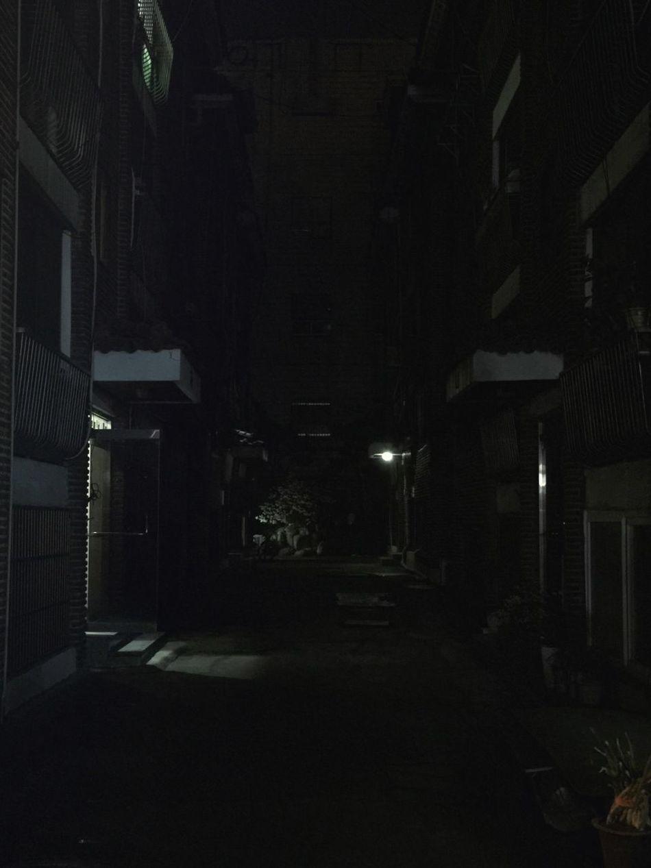 Night Apartments 밤 001