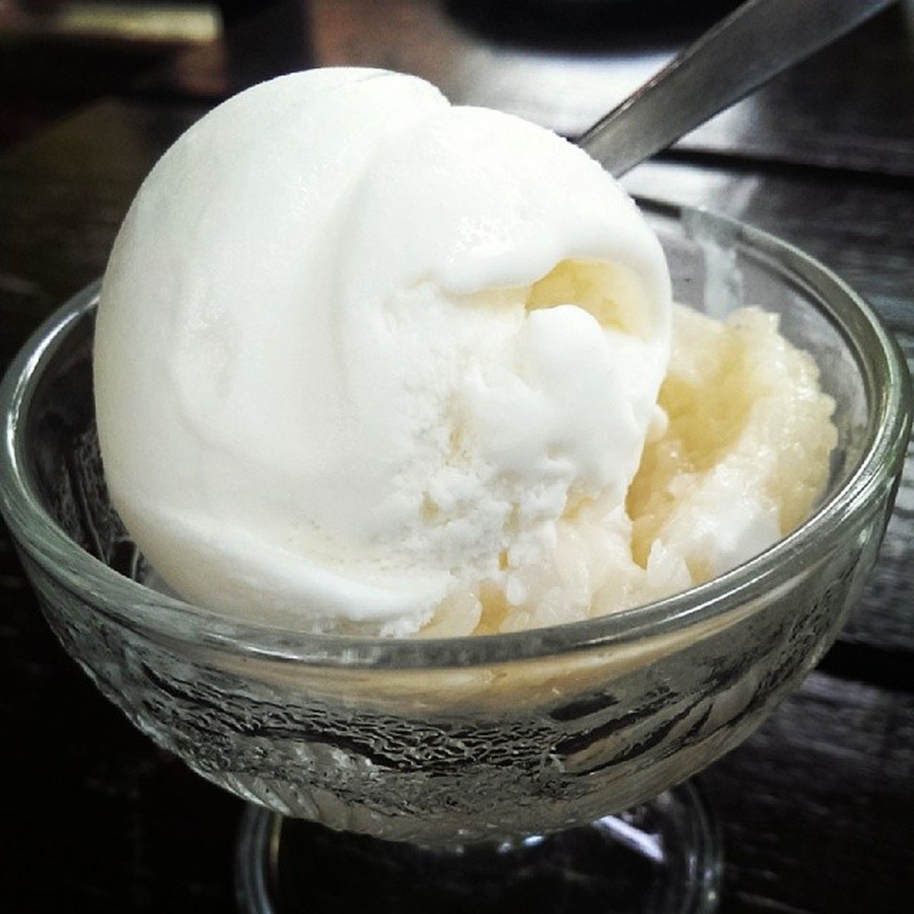 Been longing for tapai quite some time now. Topped with ice cream, tapailicious! Tapai Dessert Icecream