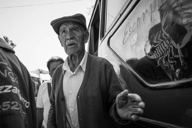 Urban Landscape The Human Condition Streetphotography Blancoynegro EyeEm Best Edits EyeEm Best Shots - Black + White Portrait Bolivia Monochrome Streetphoto_bw