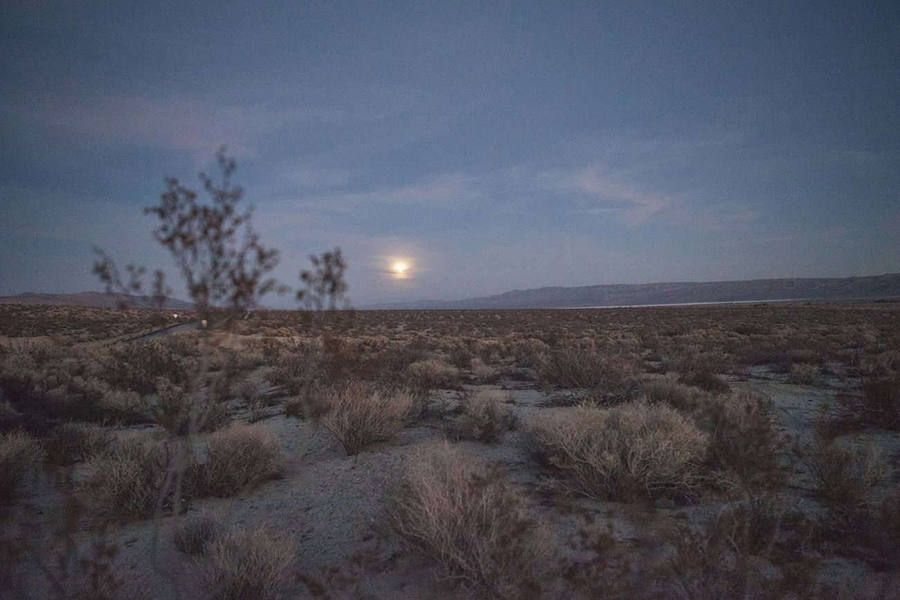 Full Moon Wolf Moon Desert Roadtrip Landscape Bucketlist Moon Mojave California Deserts Around The World