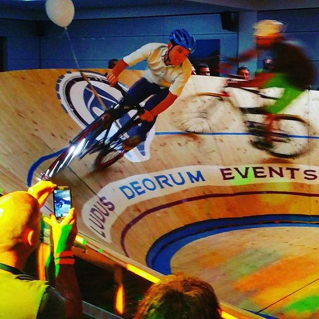 TRACKlounge on fire at Eurobike2015 😈 Eurobike Tracklounge Fahrrad Fahrradfahren Sport Cycling Bicycle Bikelove 😚 Latergram Picoftheday Spaß Fun