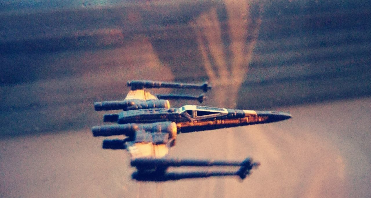 Starwarstoys Close-up Fun Xwing flying sky