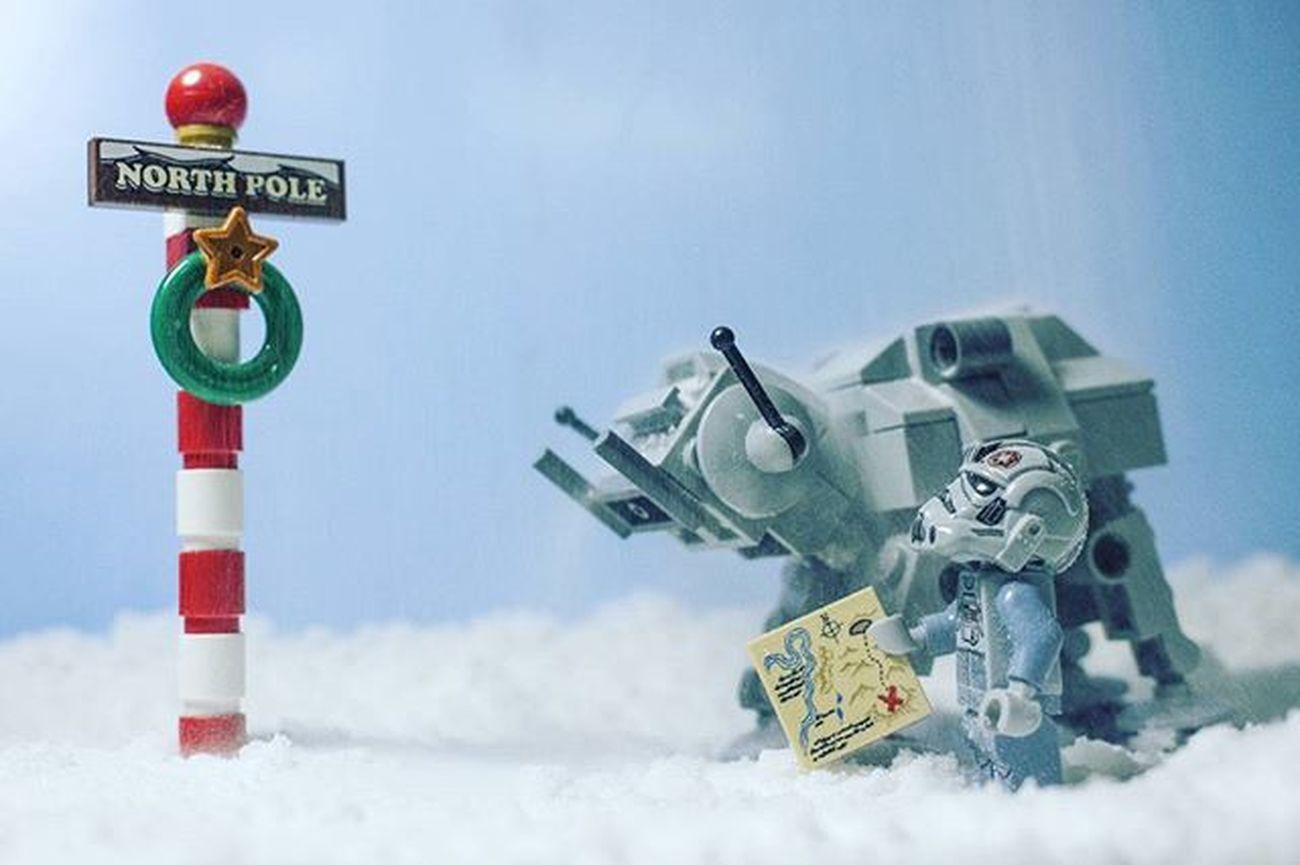 """We made it, boy"" LEGO Legophotography Legominifigures Legoatat ATAT Legostarwars Starwars Legochristmas Vitruvianbrix Vbrix_winterwonderland Bricknetwork Brickcentral Womenintoyphotography Toptoyphotos Toygroup_alliance"