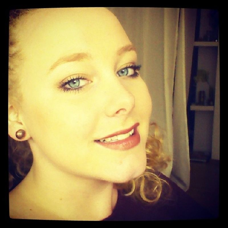 Keep your head up high. Headup Headuphigh High HEAD me selfie smile lips eyes blueeyes chiq schick whop party letsgo blondecurls curly pictureoftheday justme