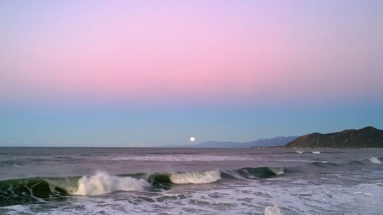 Water_collection Water Reflections Outdoor Photography Life Is A Beach OceanWaves Oceanview Beach Photography Santabarbara Full Moon Moonset EyeEm Nature Lover Pacificocean Dawn Of A New Day Dawn
