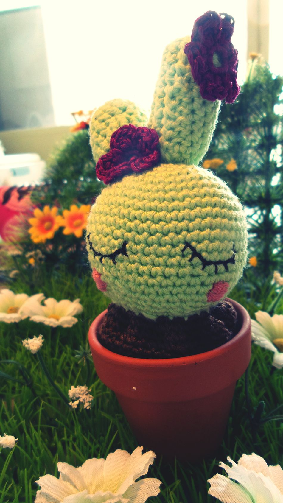petit cactus kawaii réalisé au crochet par ma femme aux doigts de fée ☺ an amigurumi crochet kawaii cactus made by my wonderful wife ☺ Made By A Fairy KAWAII Amigurumi Crochet Crochetobsessed Cactus Handmade Amigurumist Creative Made With Passion