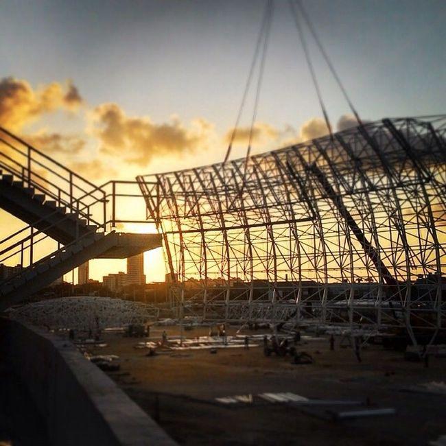 Içamento de um dos módulos da cobertura do Arena das Dunas. Working Engeneering Construction Stadium