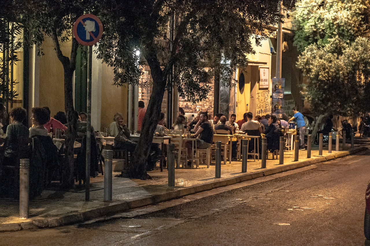 Friday night fever😎 Athensvibe City Life City Street Lifestyle Photography Lifestyles Neighborhood Map Nightlife Nightphotography The Photojournalist - 2017 EyeEm Awards The Street Photographer - 2017 EyeEm Awards