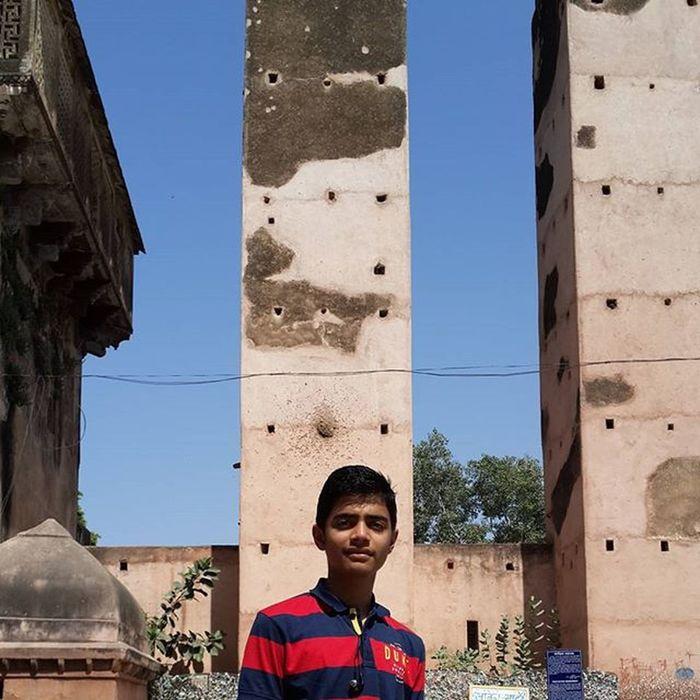 Wooo Hotweather Oldbuilding Instagram History Indianhistory Madhyapradesh Ramrajasarkar Mptourism
