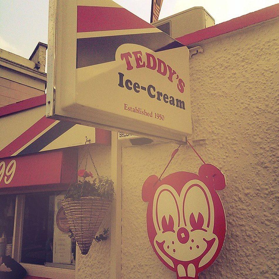 This place is gone shite. Scrumdiddlys is 10 times better ? Teddysicecream Icecream Dublin L4l