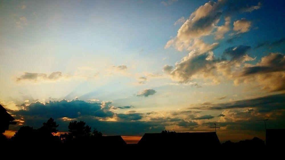 Taking Photos Beautiful Sunset♥♥Good Evening EyeEm EyeEm Best Edits Open Edit For Everyone First Eyeem Photo Photosaroundyou Enjoying Life Gourgeous Hello World Goodnight ♡