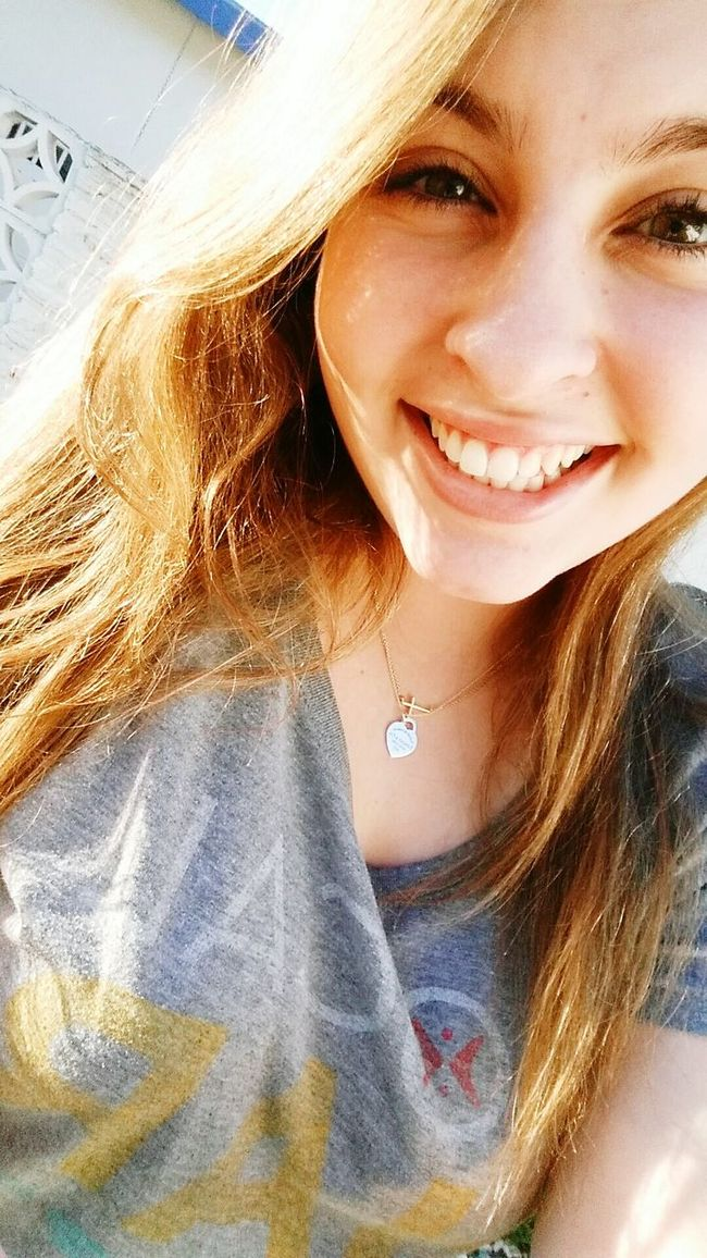 Hi guys? Natural Californiagirl Selfie Smile Embraceyourflaws Sunnyday Happy